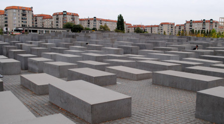 rtf 1 berlin holocaust mahnmal f nf millionen besucher in der ausstellung ort der. Black Bedroom Furniture Sets. Home Design Ideas