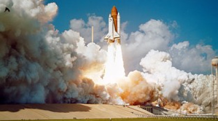 Space Shuttle Challenger beim Start