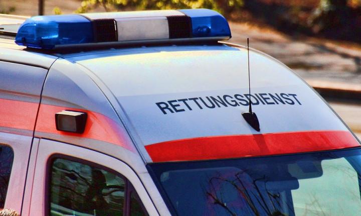 Grabenstetten: PKW überschlägt sich - RTF.1 Regionalfernsehen - Nachrichten